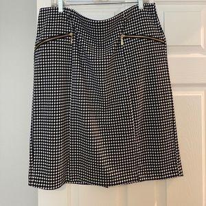Beautiful Alfani skirt size 16W.